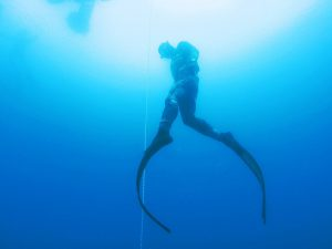 Freediving 300x225 - Four Most Dangerous Water Sports